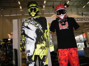 O'Neal Helme Brillen Jersey Hosen Handschuhe Stiefel Z.E.G. Show 2016 Downhill-Helm Freeride BMX neuheit neuerscheinung neu