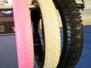 VEE Tire Co Neuheiten 2016 Z.E.G Show Fatbike, E Fatbikes, Pedelec Reifen Extrem breite Reifen Farbe creme