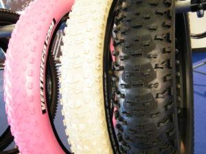VEE Tire Co Neuheiten 2016 Z.E.G Show Fatbike, E Fatbikes, Pedelec Reifen Extrem breite Reifen Pink