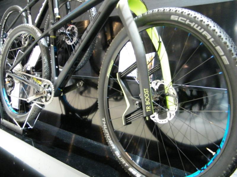 Bulls Carbon Mountainbike in schwarz